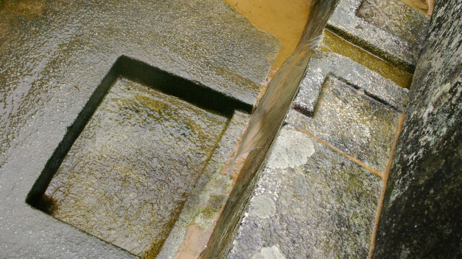 Machu Picchu caracterizando ruínas de edifício