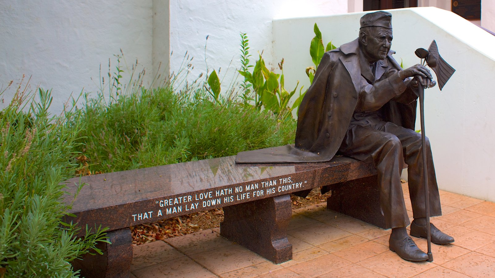 Pleasanton caracterizando uma estátua ou escultura e um memorial