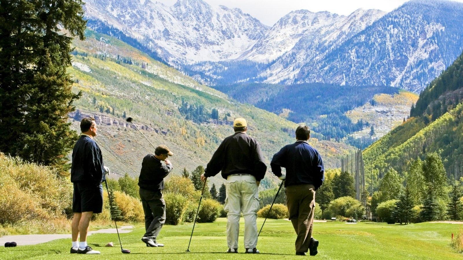 Vail - Beaver Creek que inclui golfe e montanhas assim como um pequeno grupo de pessoas