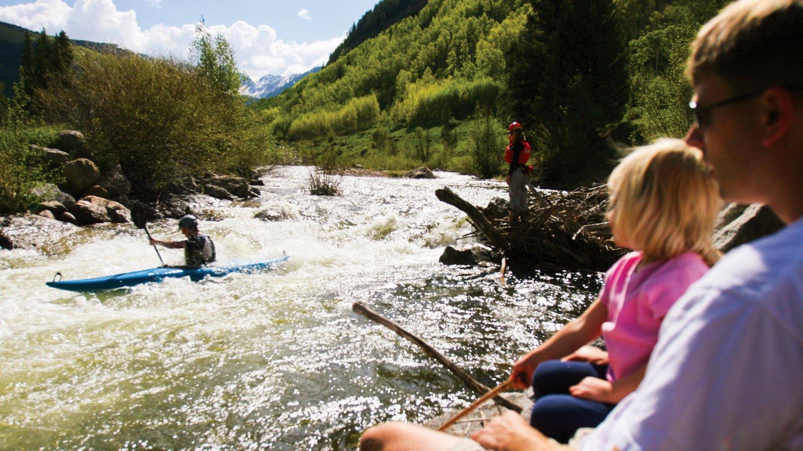 Vail - Beaver Creek que inclui córrego e rafting assim como uma família