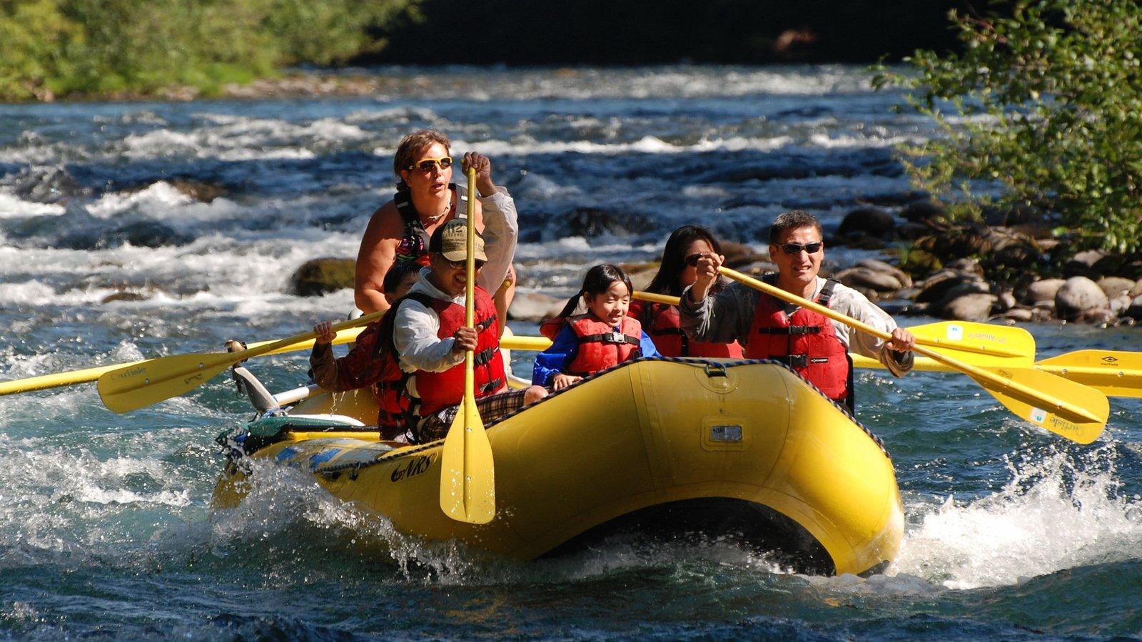 Eugene mostrando rápidos y rafting y también un pequeño grupo de personas