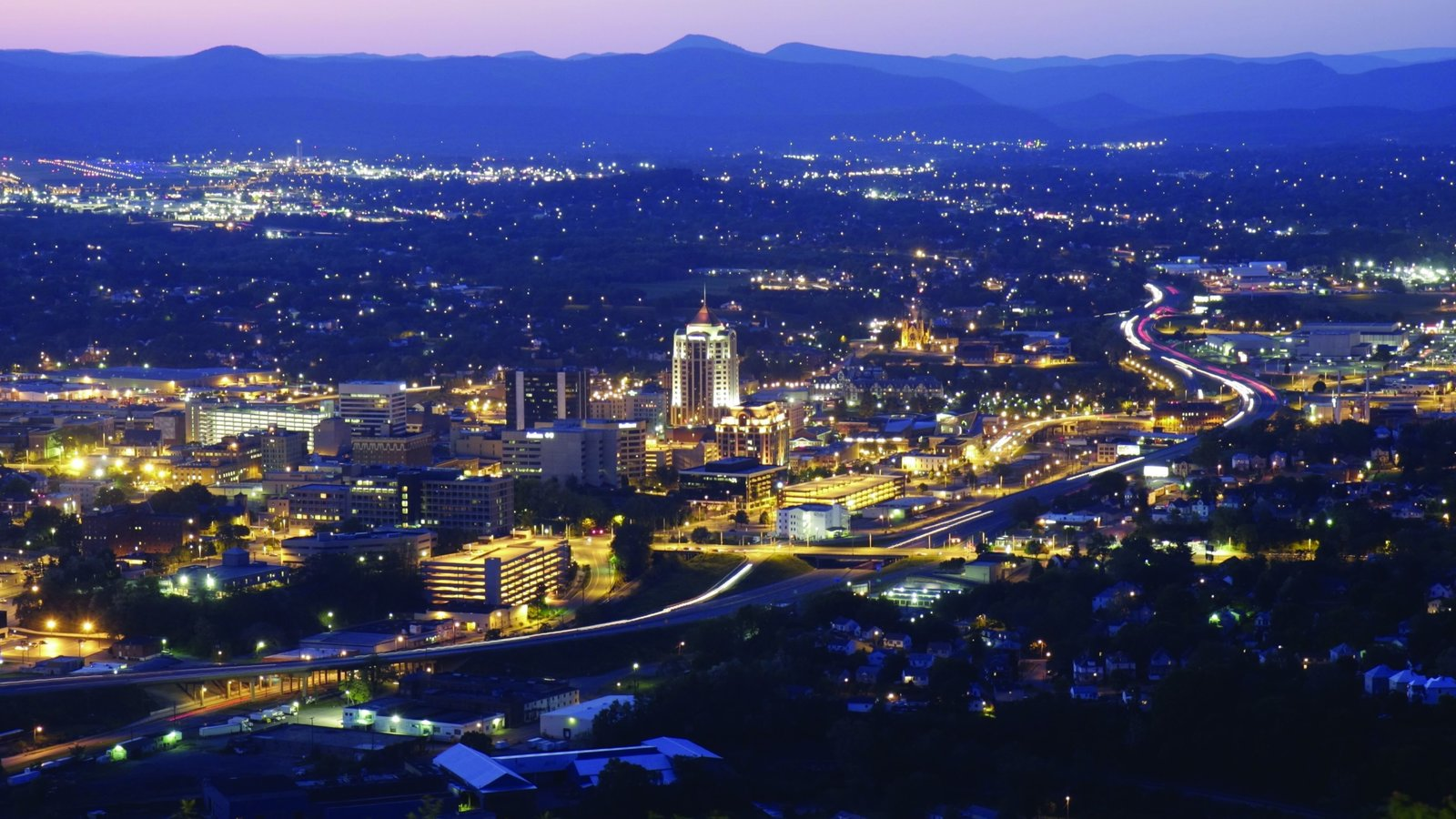 Roanoke which includes skyline, a city and landscape views