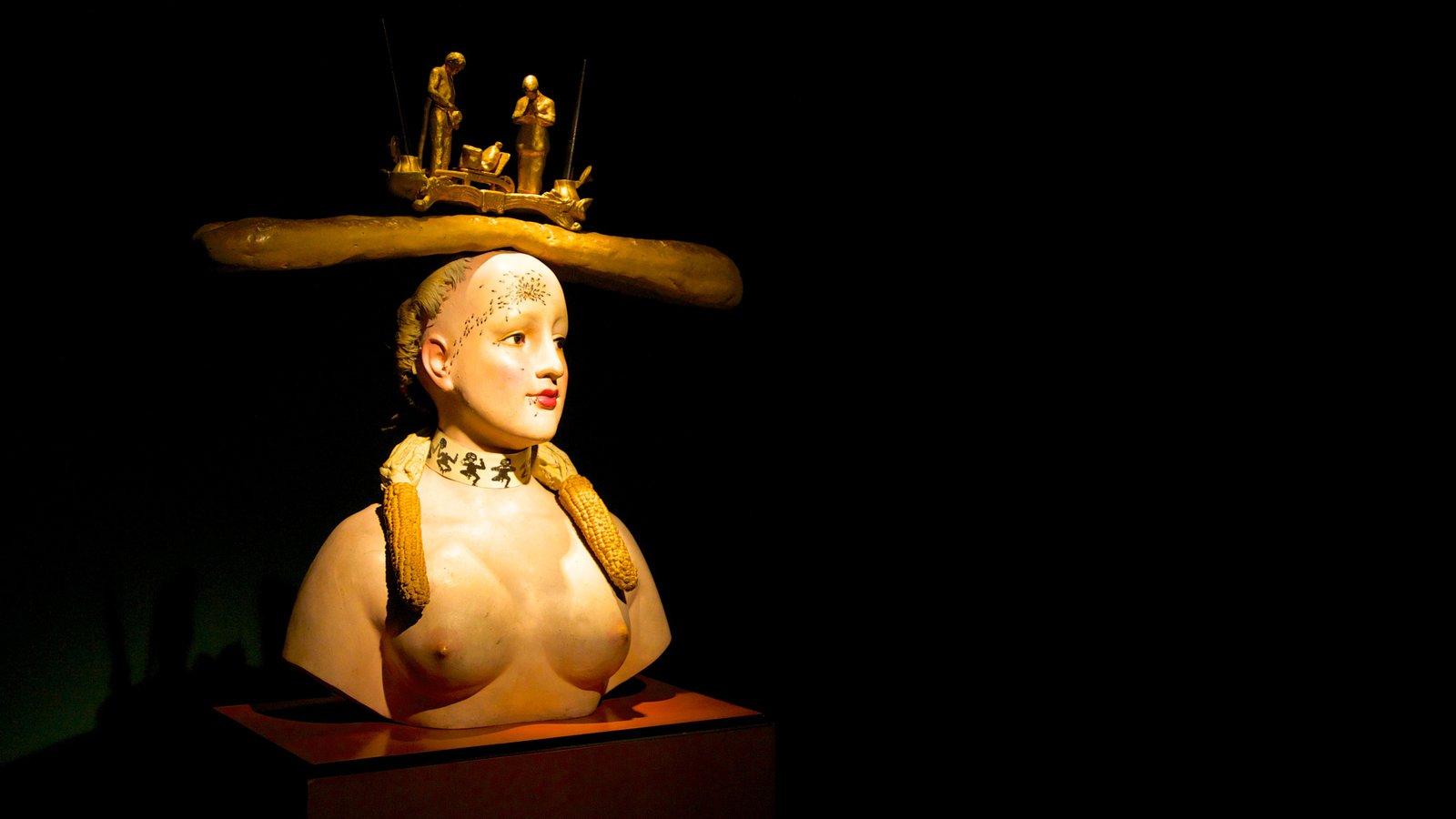 Museo Botero que inclui vistas internas e arte