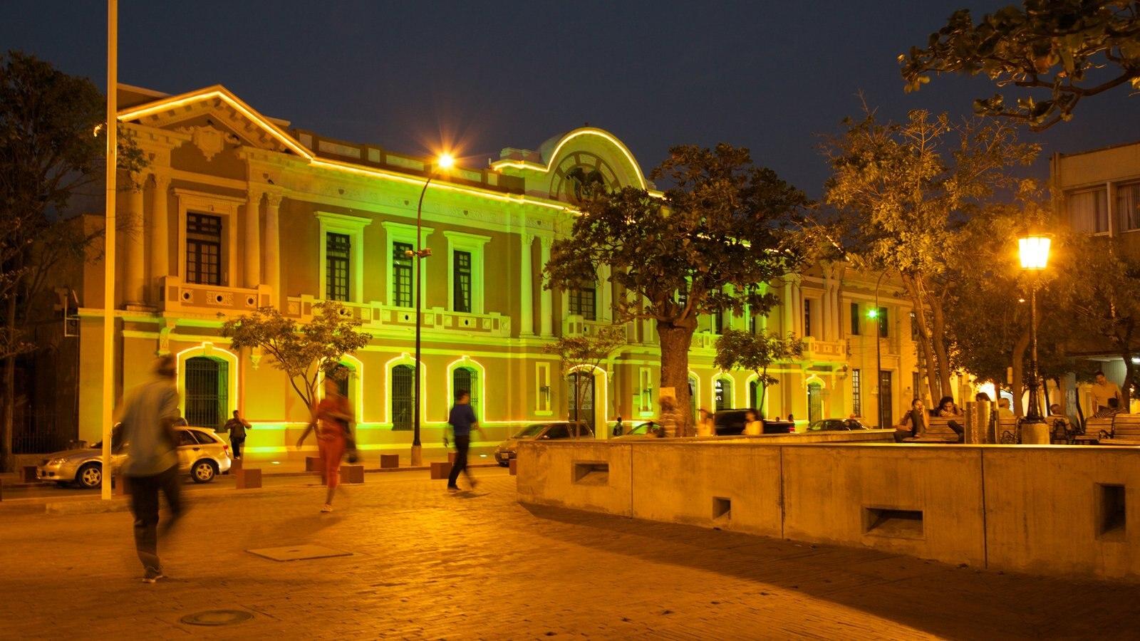 Plaza de Bolívar caracterizando uma cidade, arquitetura de patrimônio e uma praça ou plaza