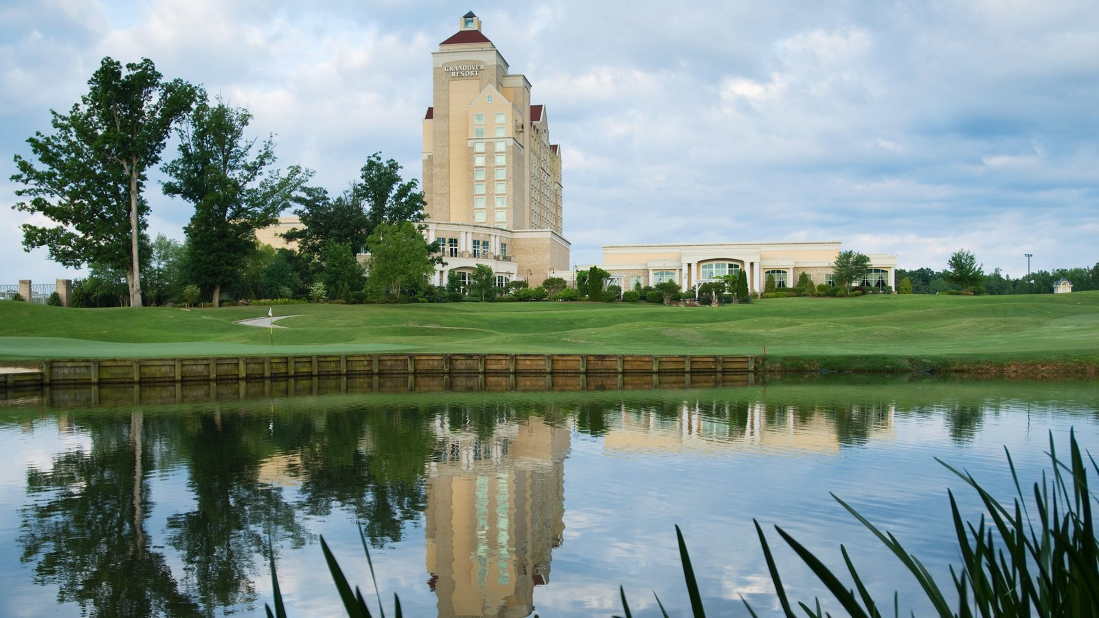 Greensboro which includes golf, a pond and a luxury hotel or resort