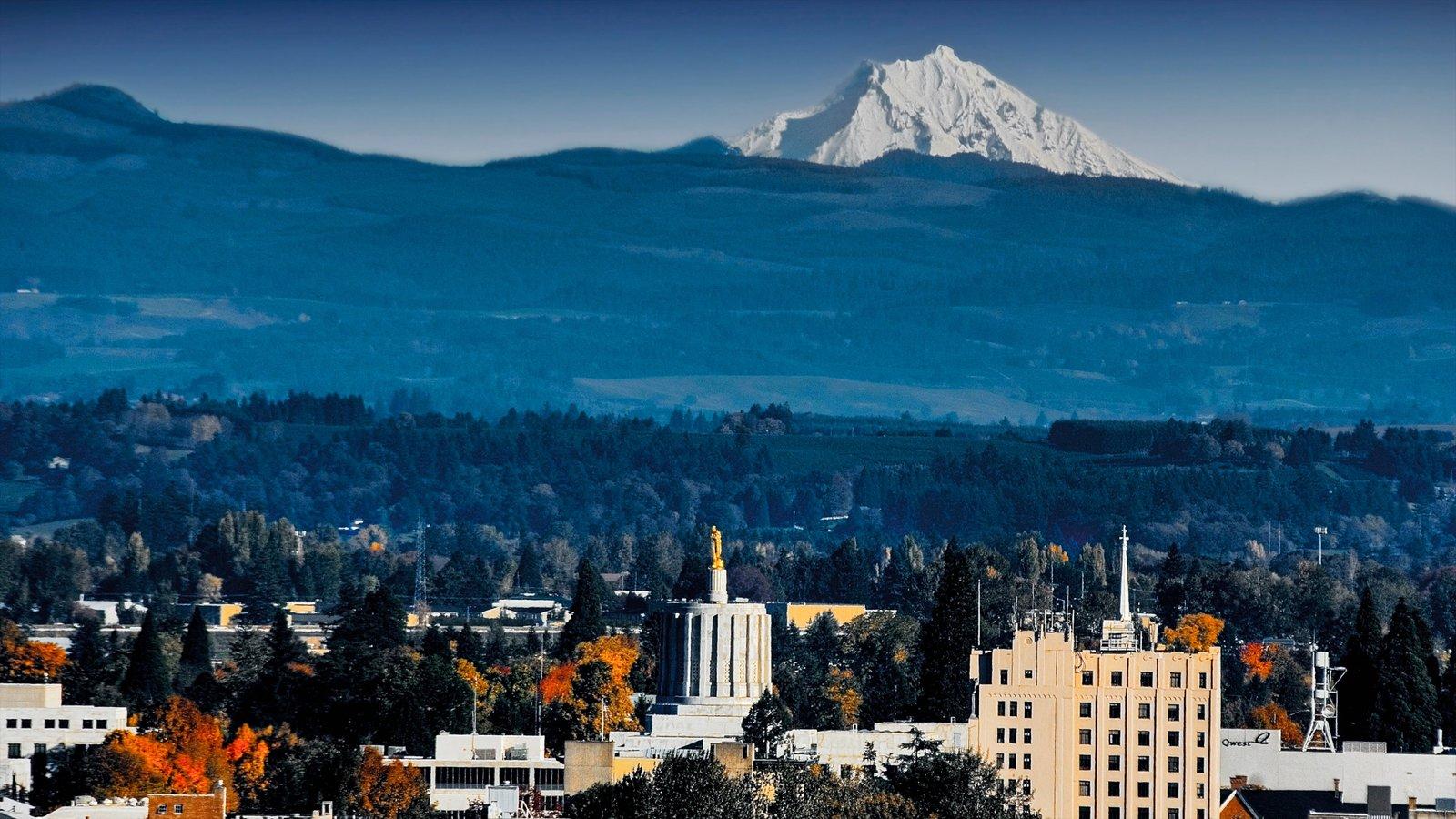 Salem mostrando una ciudad, montañas y horizonte