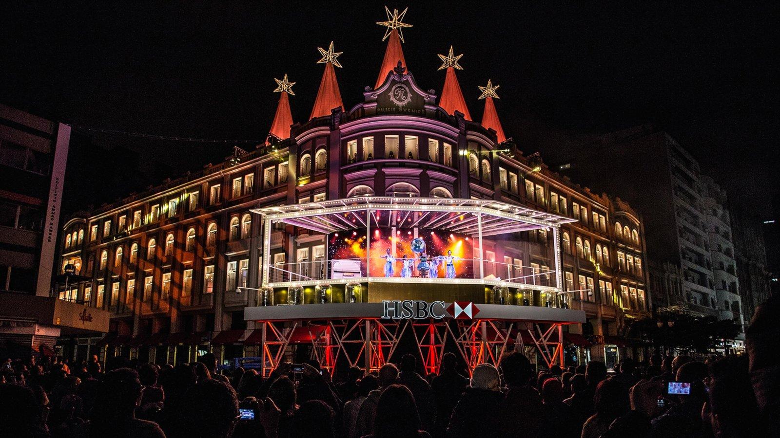 Curitiba que inclui arte performática, vida noturna e cenas noturnas