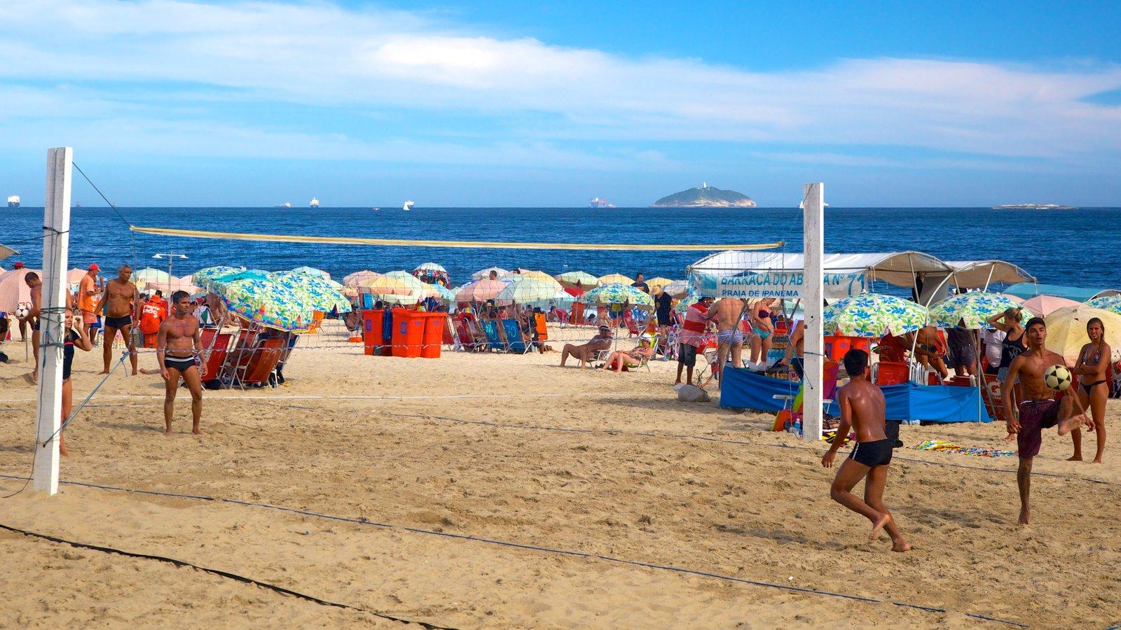 Praia de Ipanema caracterizando uma praia de areia