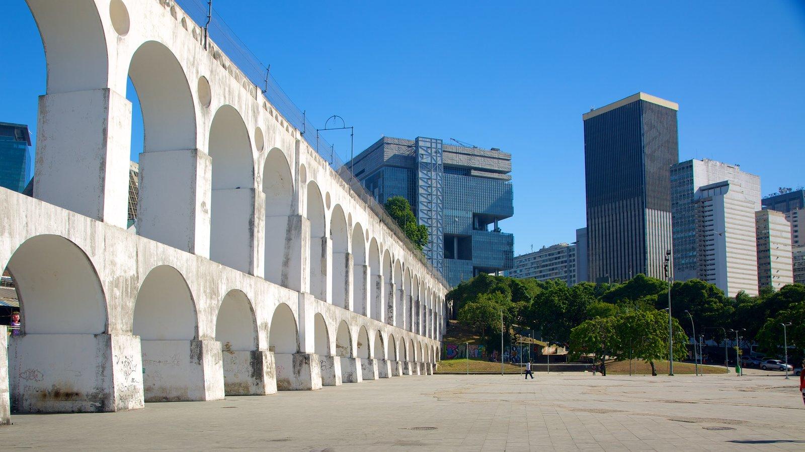 Lapa caracterizando uma praça ou plaza e arquitetura de patrimônio