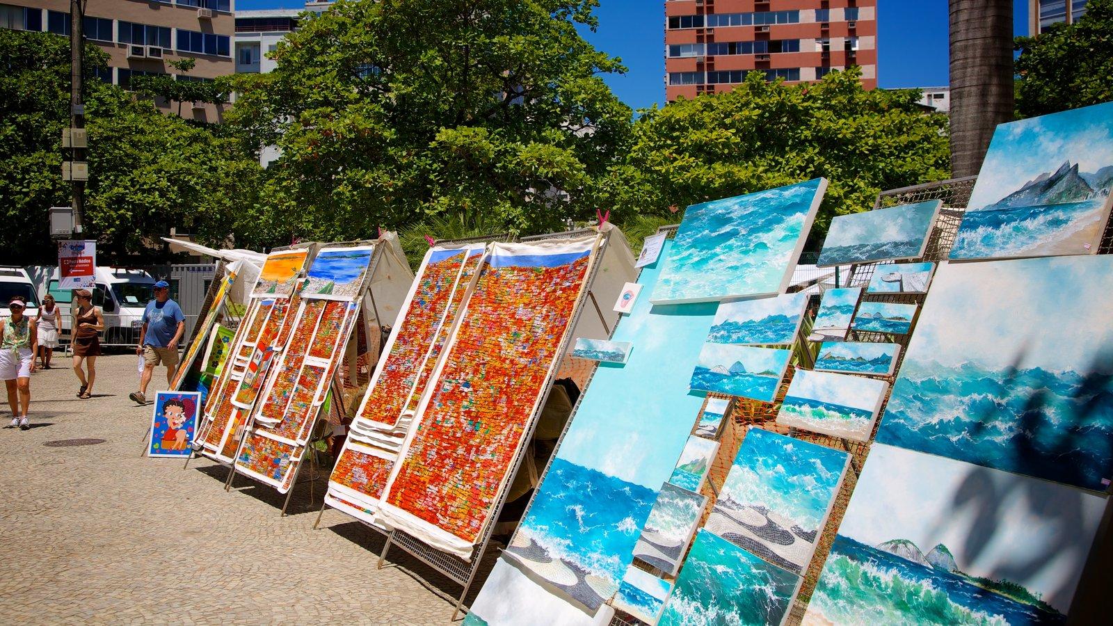 Ipanema mostrando arte