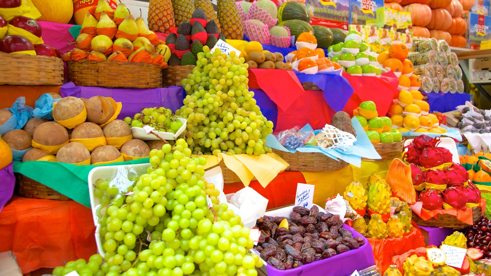 Mercado Municipal que inclui comida