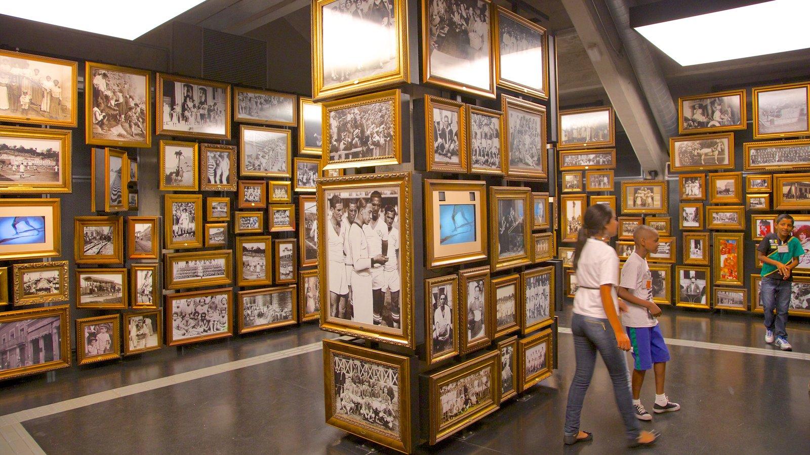 Museu do Futebol mostrando vistas internas