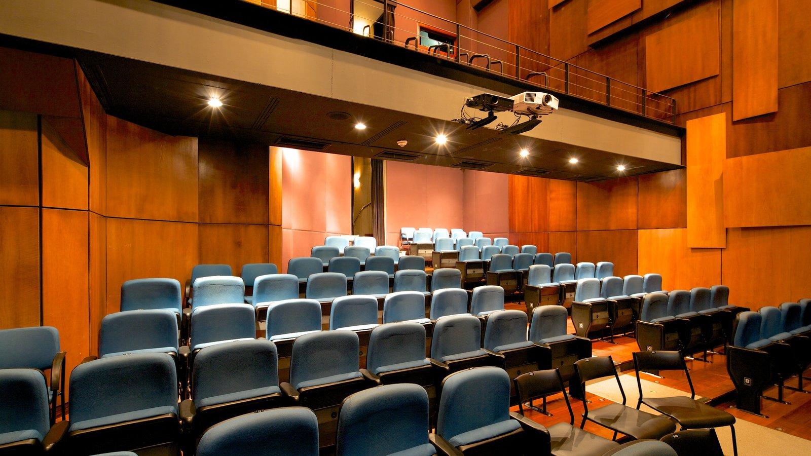 Centro Cultural Banco do Brasil que inclui vistas internas