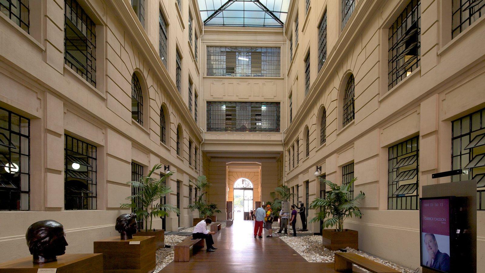 Sala São Paulo mostrando vistas internas