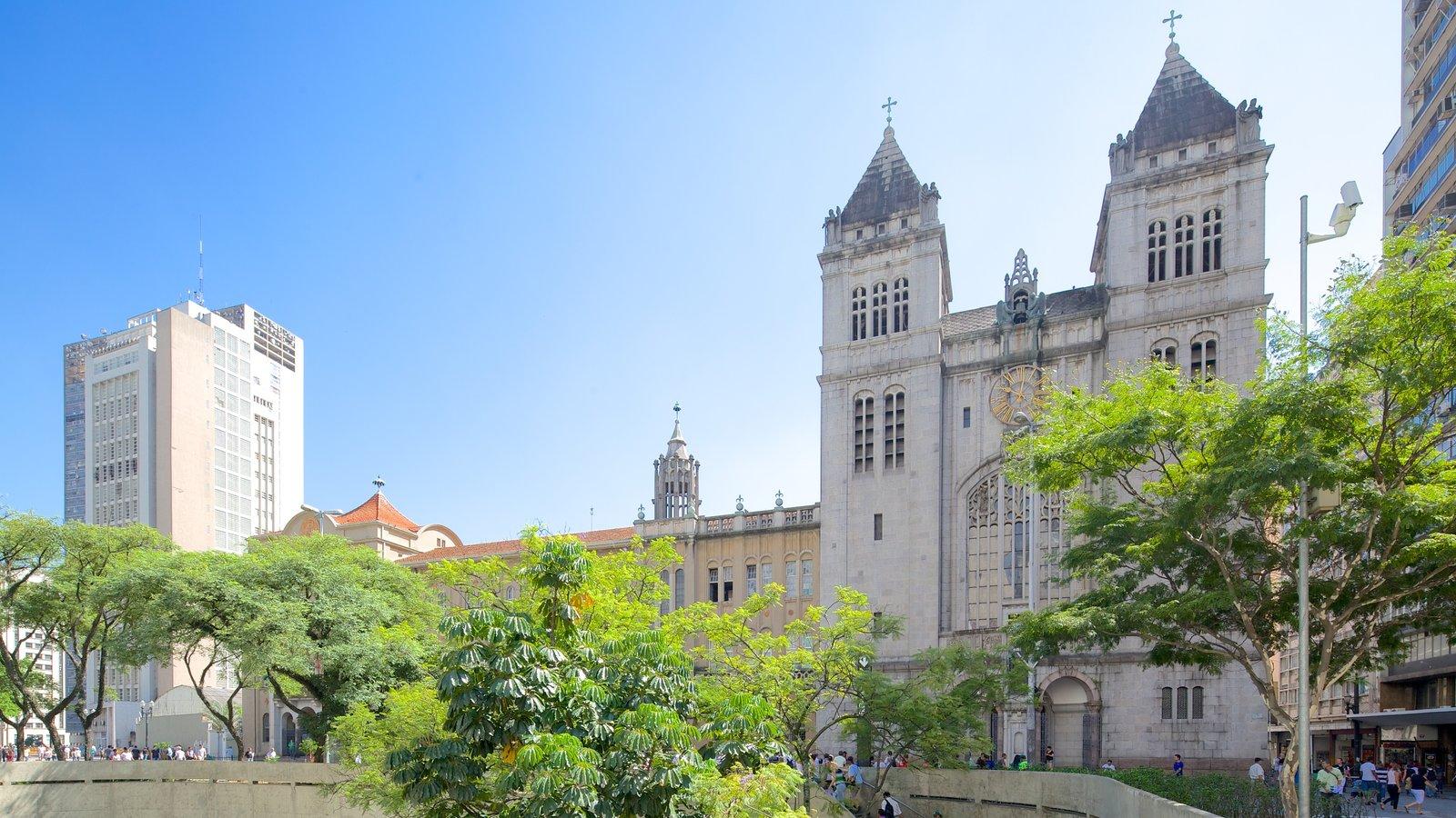 Mosteiro de São Bento caracterizando elementos religiosos, uma igreja ou catedral e arquitetura de patrimônio