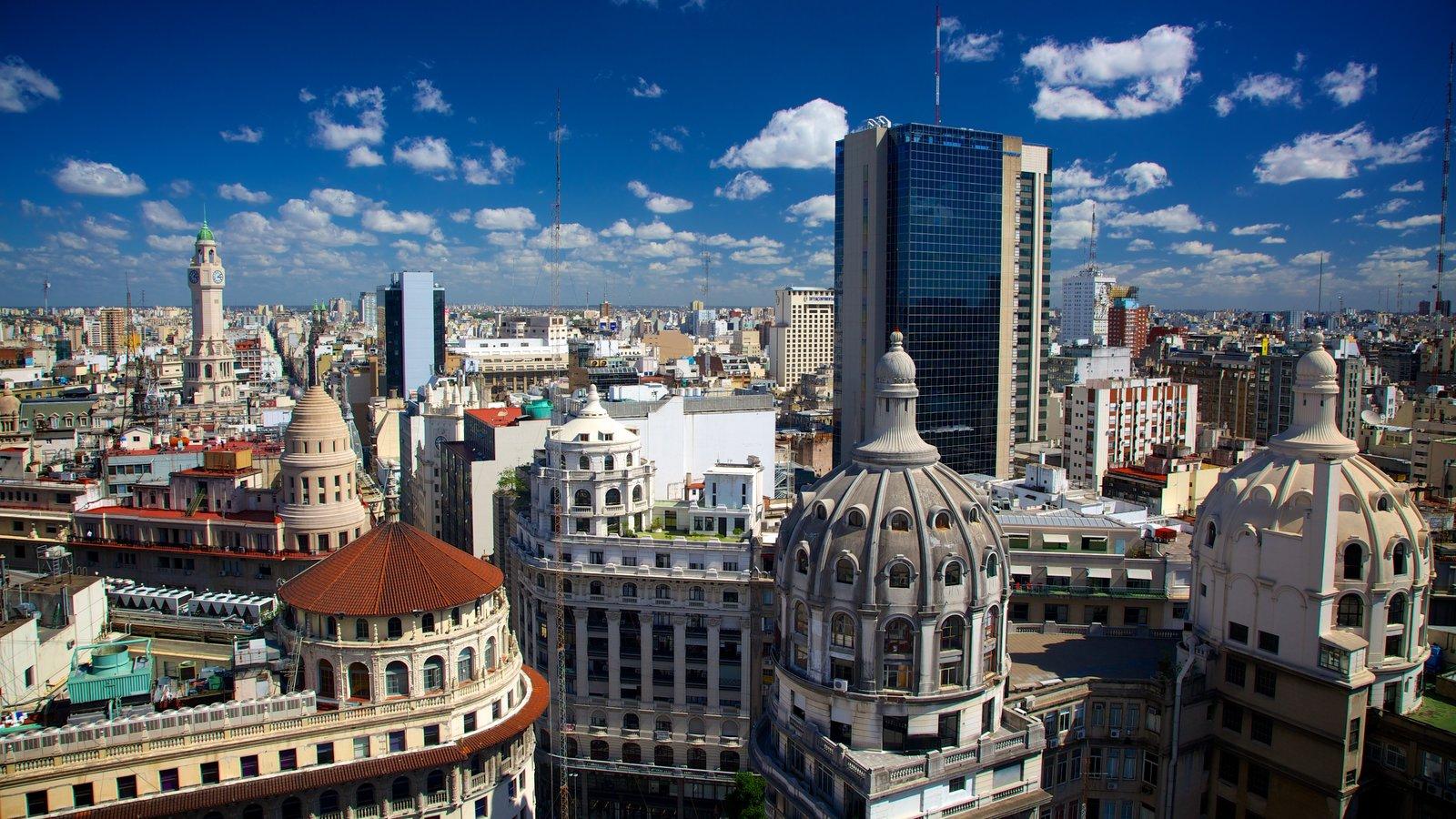 Buenos Aires que inclui um arranha-céu e uma cidade