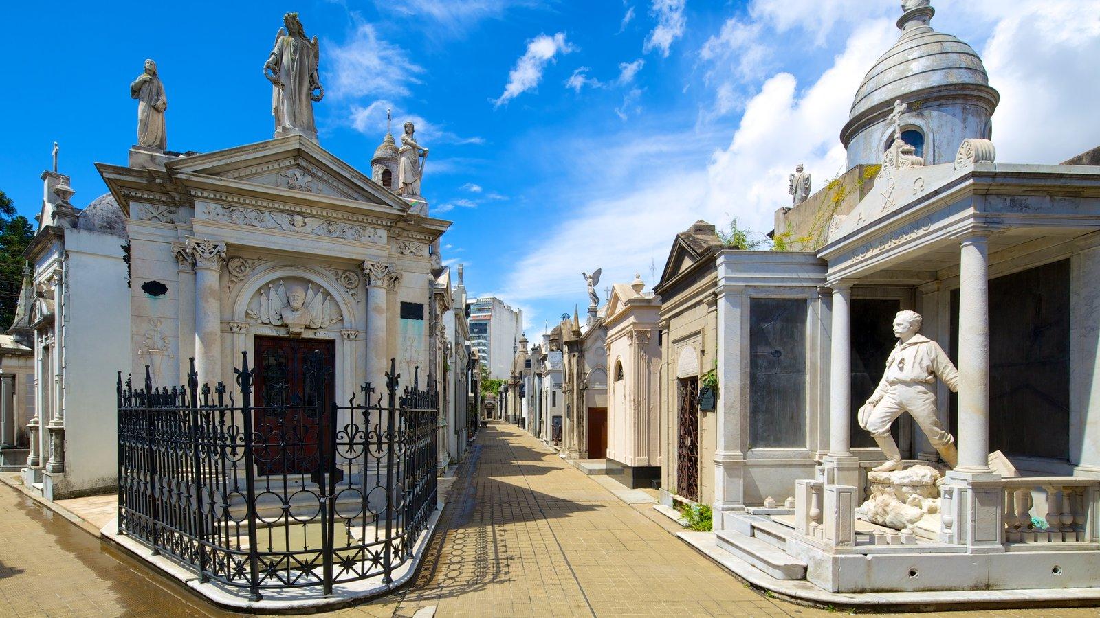 Cementerio de la Recoleta mostrando um cemitério