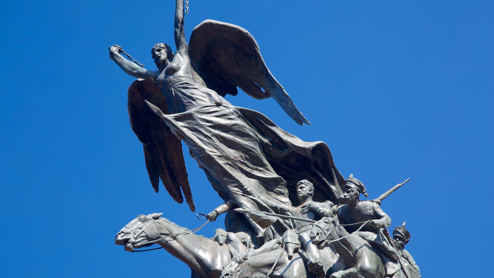 Parque General San Martin caracterizando uma estátua ou escultura