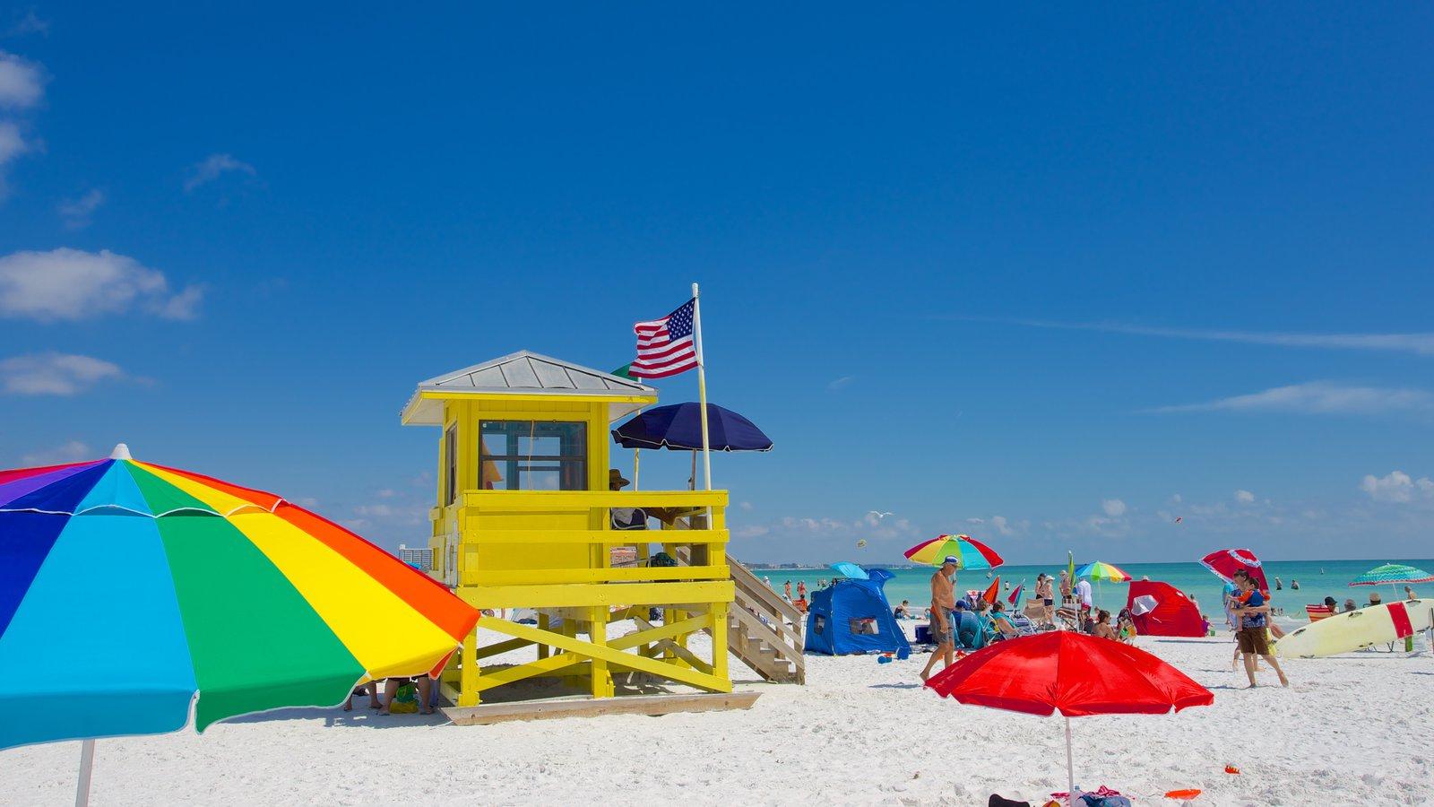 Siesta Key Public Beach mostrando uma praia