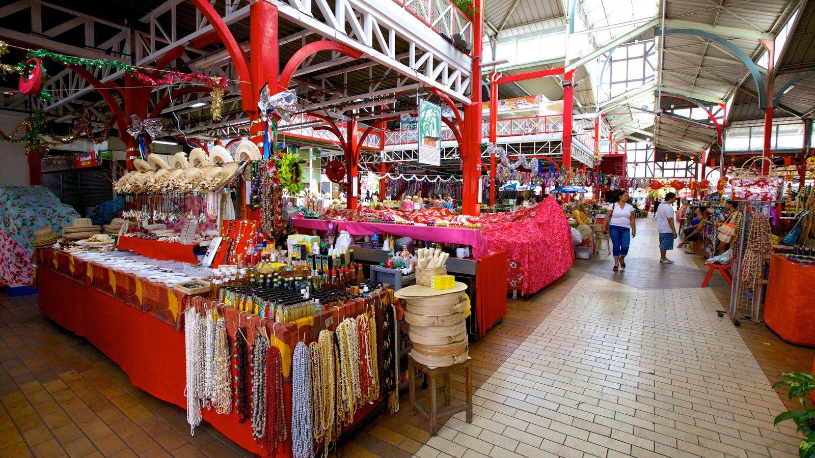 Mercado de Papeete caracterizando mercados e vistas internas