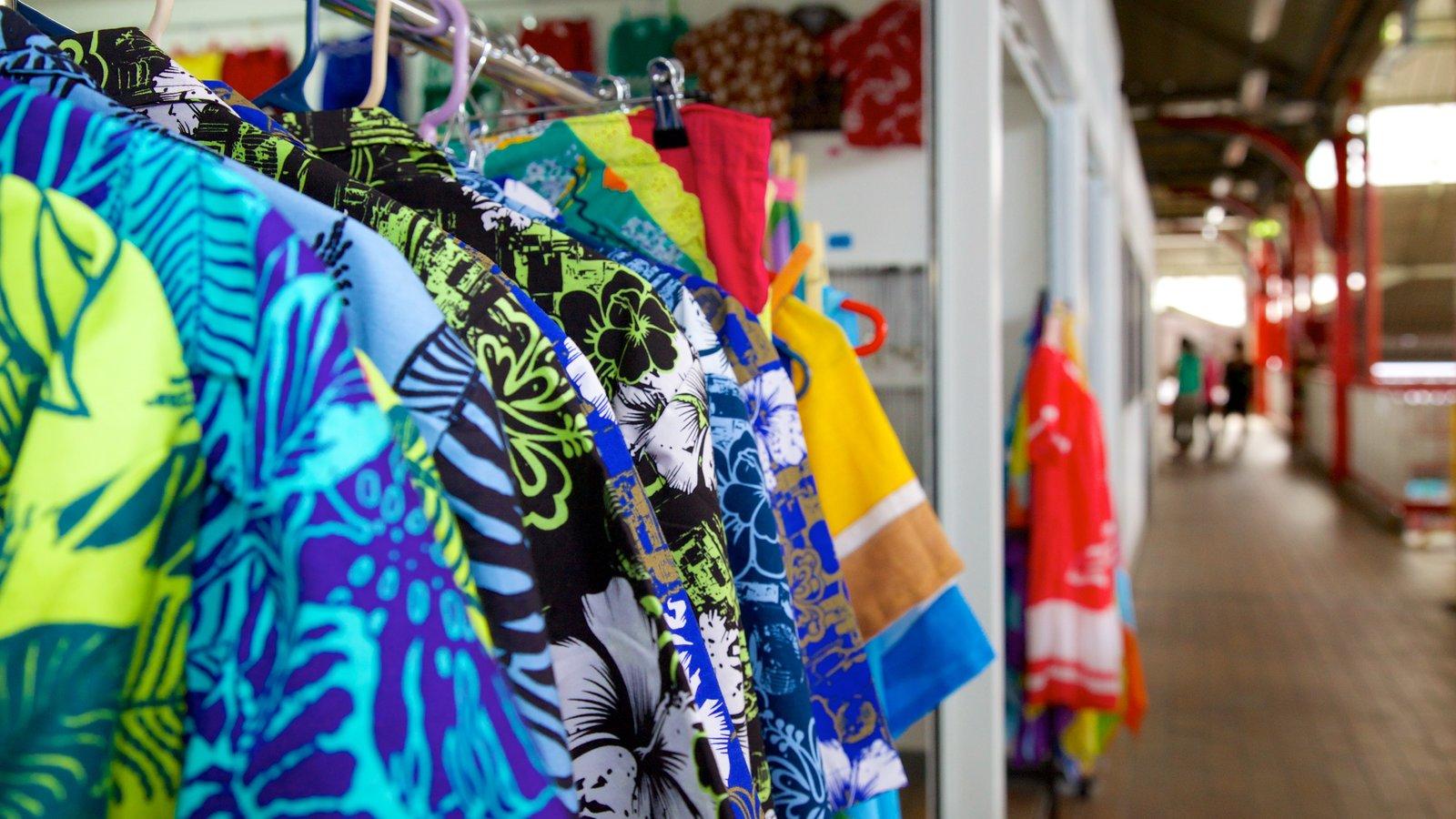 Mercado de Papeete mostrando moda