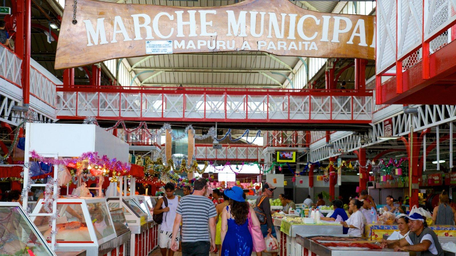Mercado de Papeete que inclui mercados e sinalização