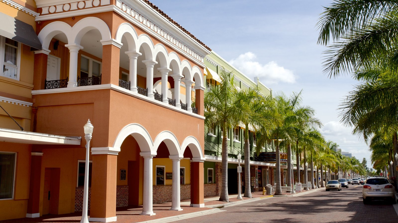 Fort Myers showing heritage architecture