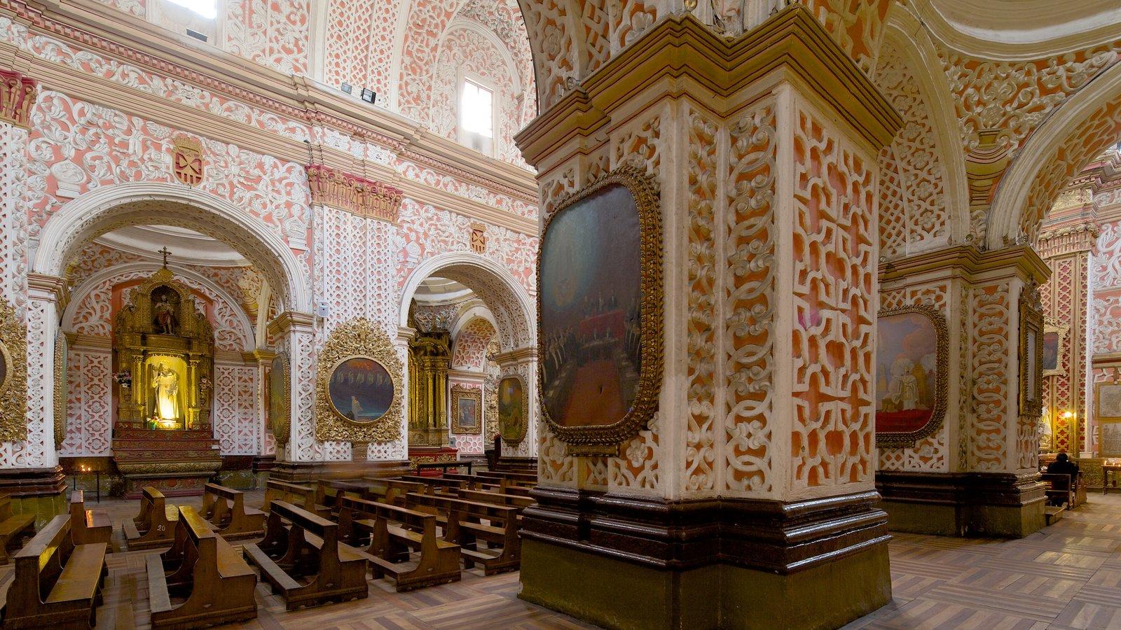 Iglesia de la Merced mostrando uma igreja ou catedral, arquitetura de patrimônio e aspectos religiosos