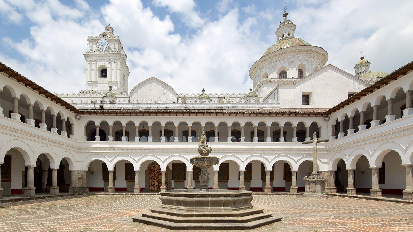 Iglesia de la Merced mostrando uma praça ou plaza e uma igreja ou catedral