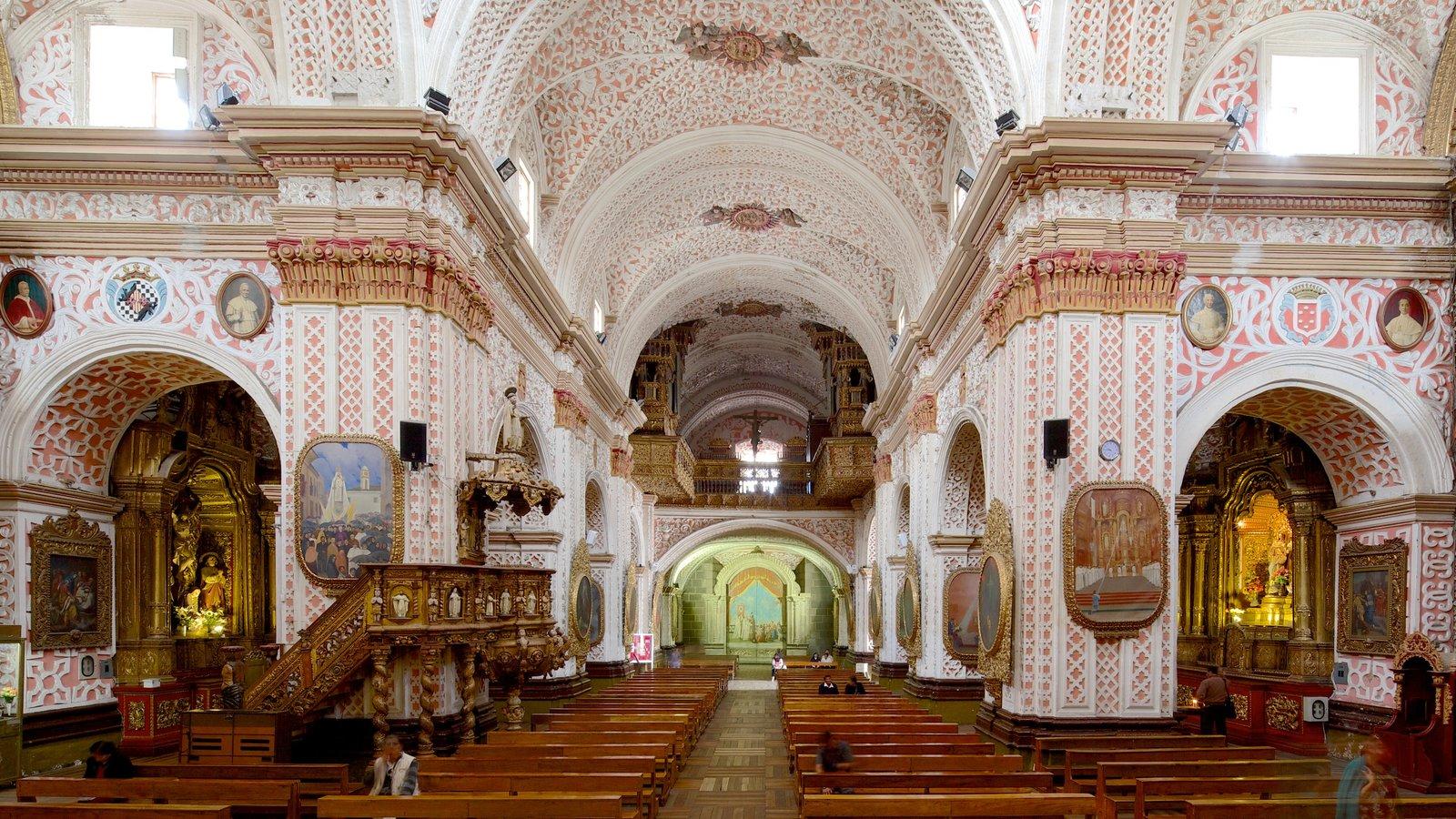 Iglesia de la Merced mostrando uma igreja ou catedral, arquitetura de patrimônio e elementos religiosos