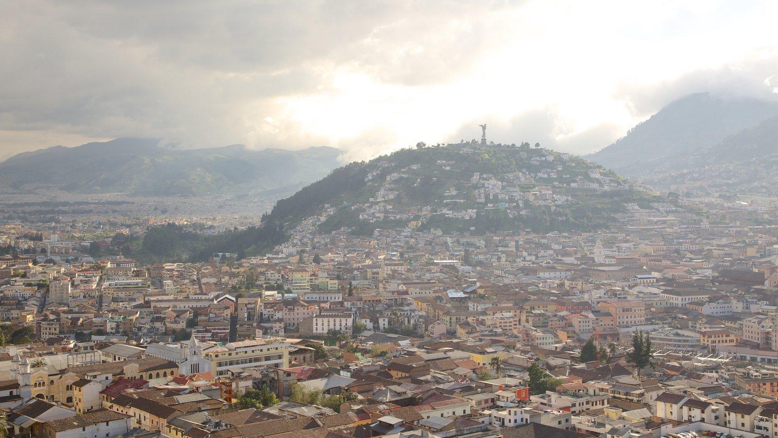 Parque Itchimbia caracterizando uma cidade