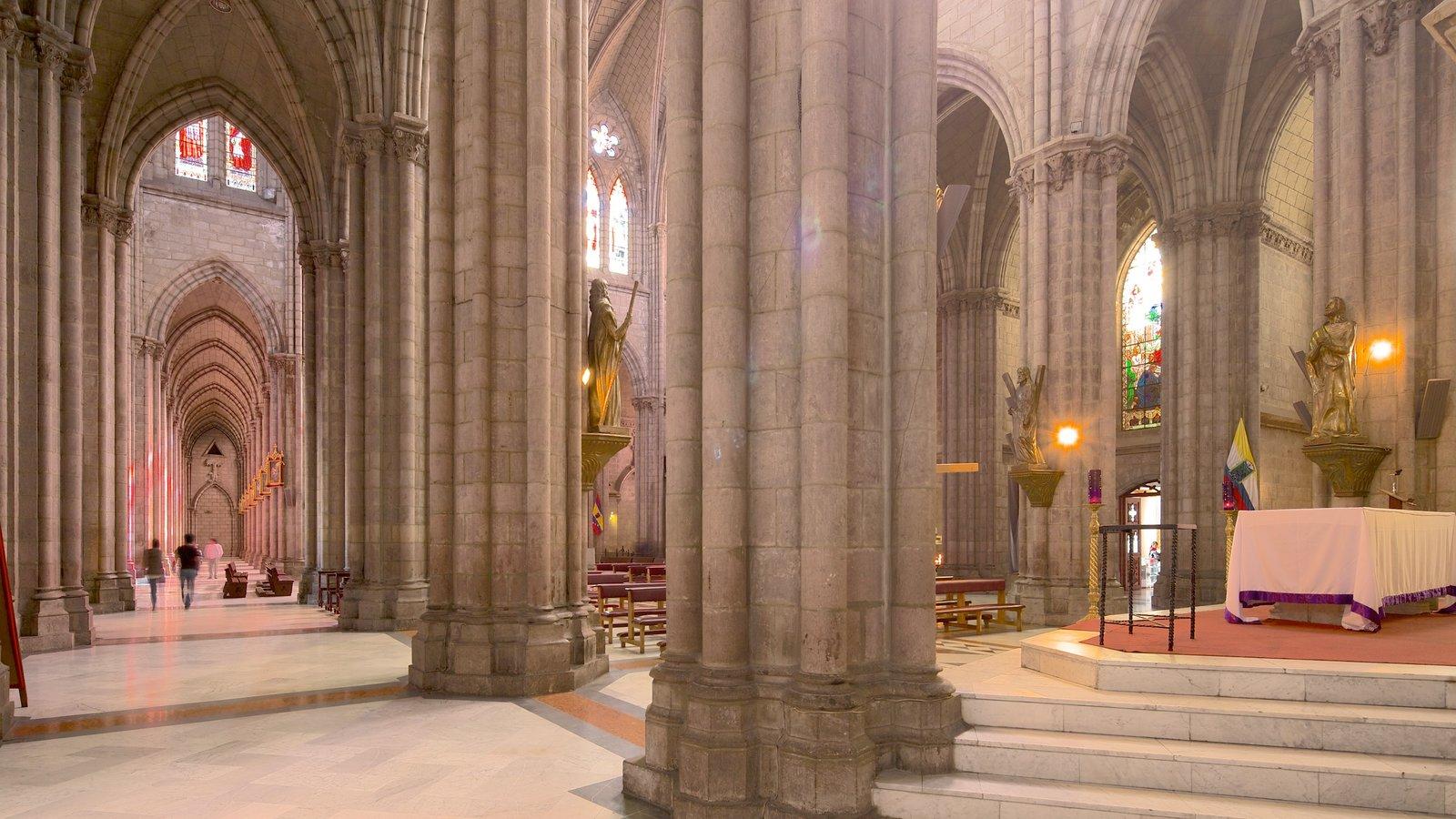 Basílica do Voto Nacional mostrando aspectos religiosos, uma igreja ou catedral e vistas internas