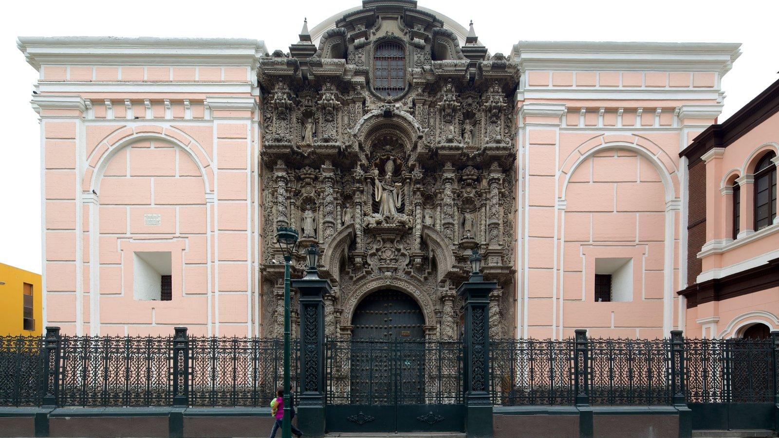 Lima que inclui cenas de rua e arquitetura de patrimônio