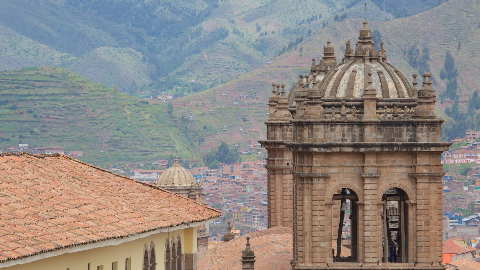 Cuzco mostrando arquitetura de patrimônio e uma igreja ou catedral