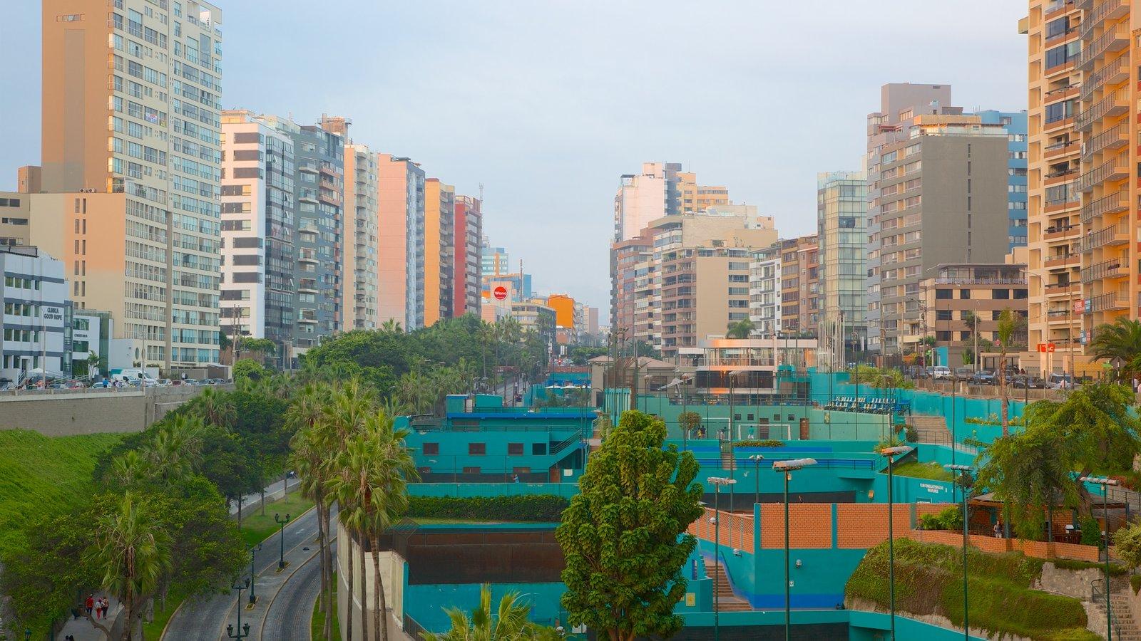 Miraflores que inclui distrito comercial central