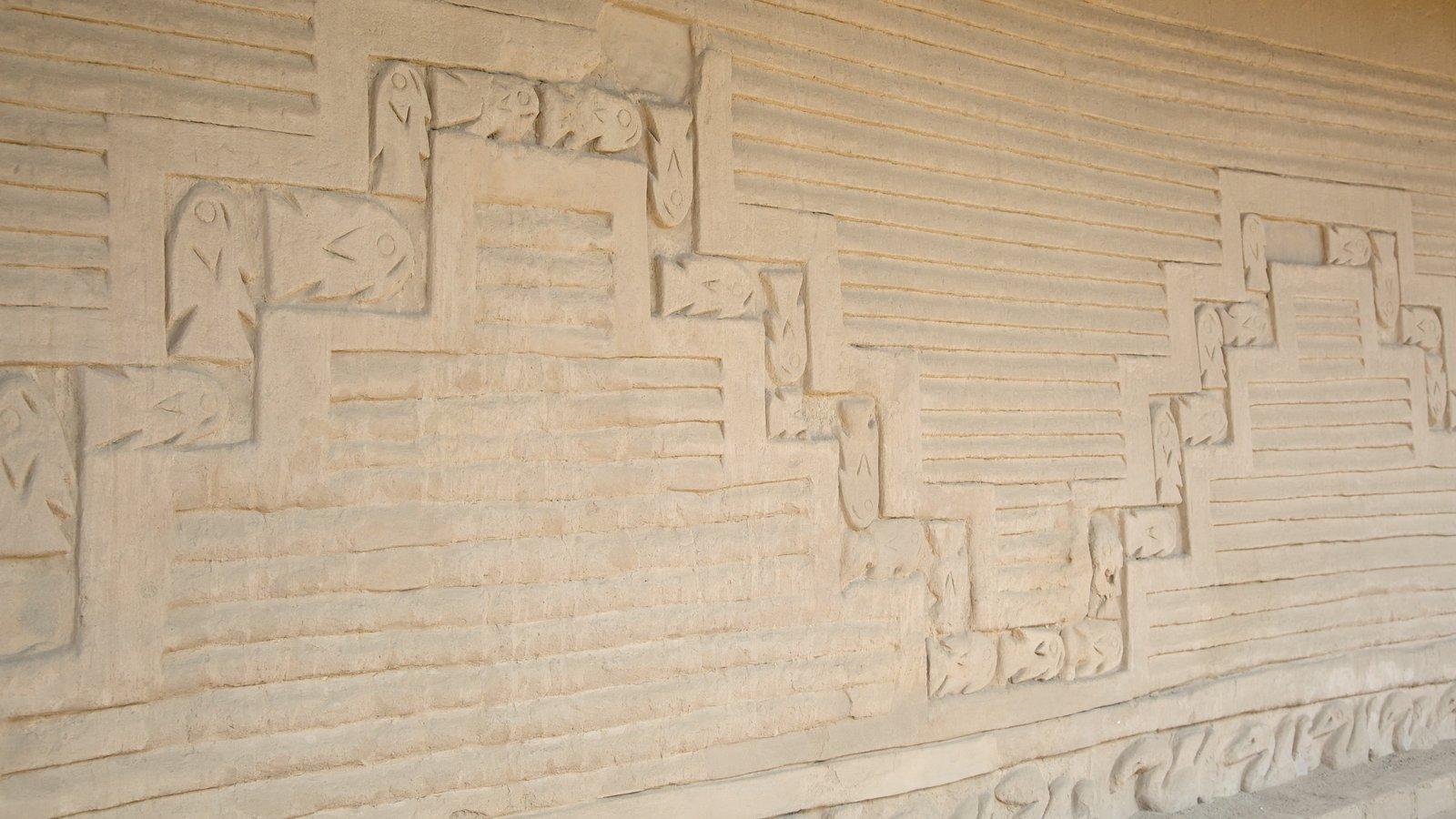 Chan Chan caracterizando arquitetura de patrimônio e elementos de patrimônio