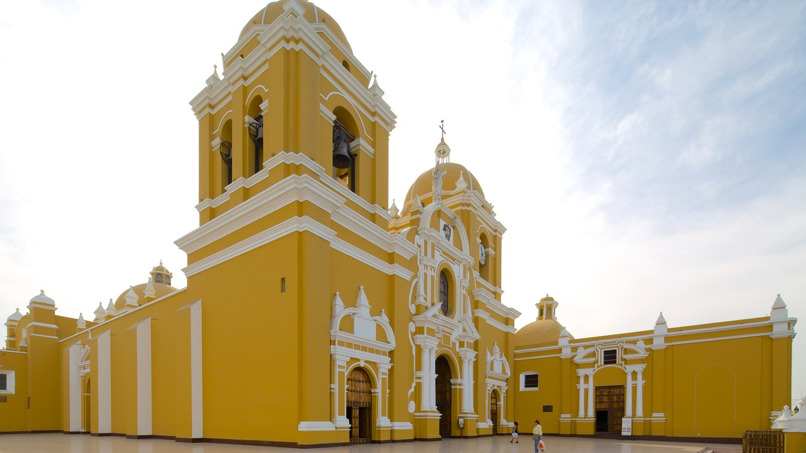 Trujillo Cathedral which includes a church or cathedral