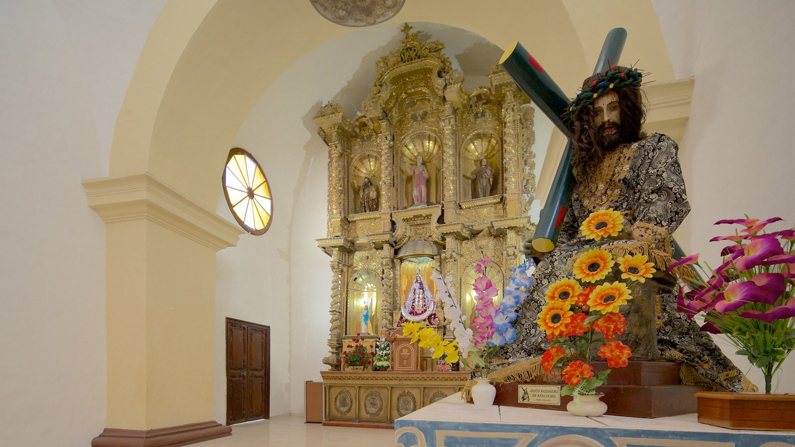 Trujillo Cathedral featuring religious elements, interior views and a church or cathedral