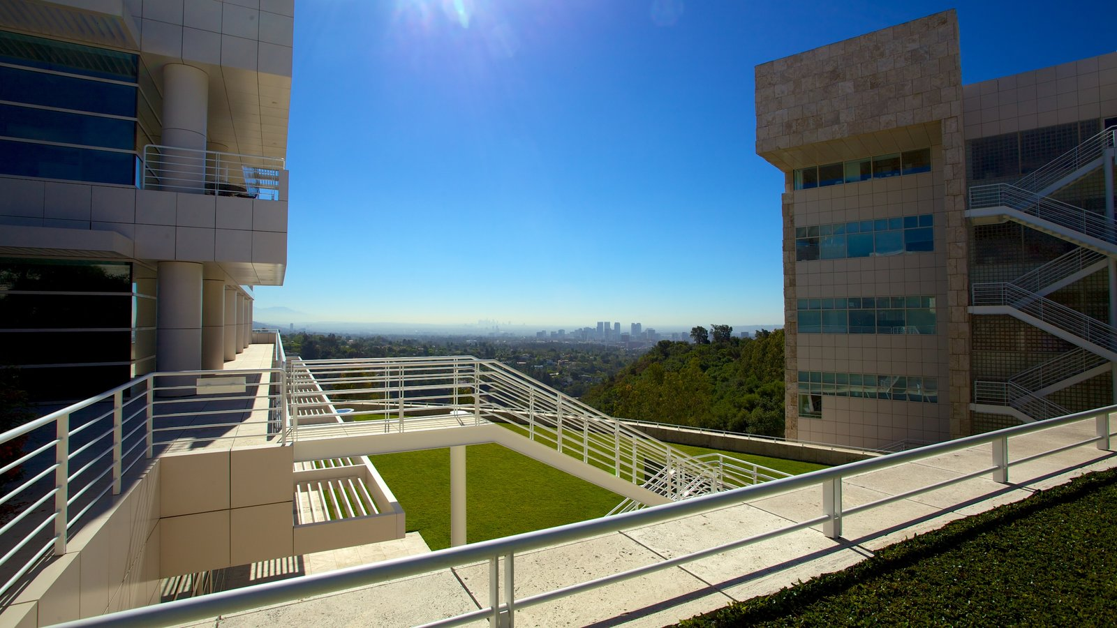 Centro Getty ofreciendo arquitectura moderna