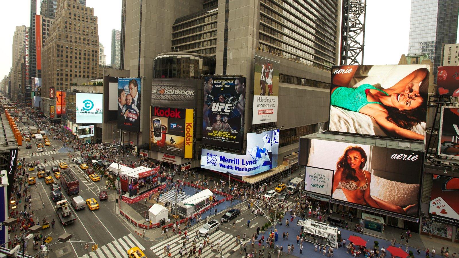 Times Square mostrando uma cidade, um edifício e paisagem