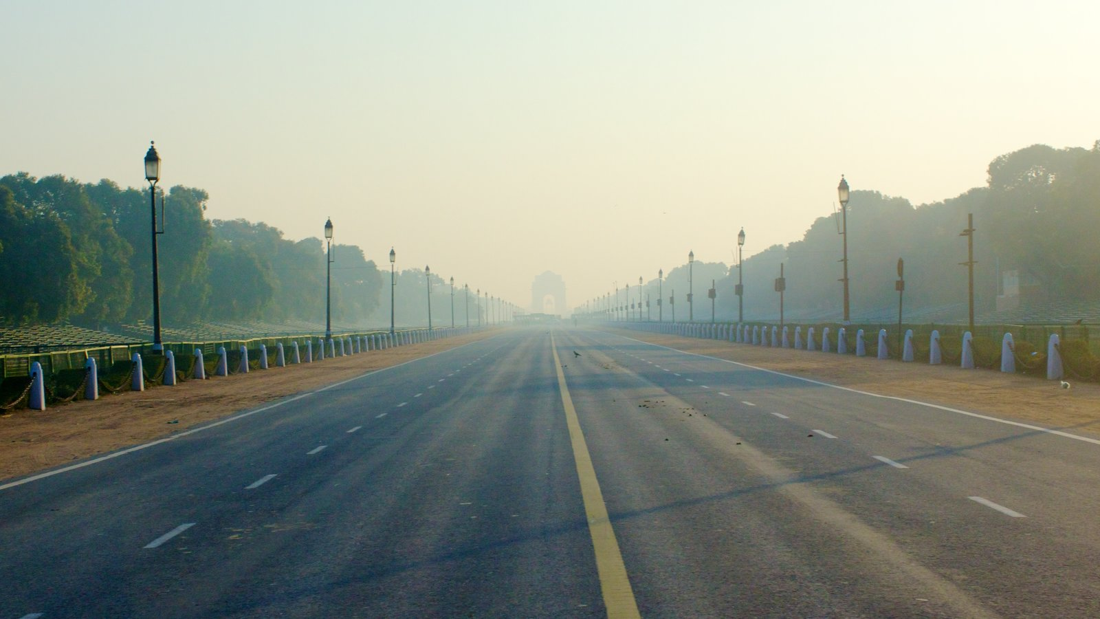 India Gate Featuring Mist Or Fog