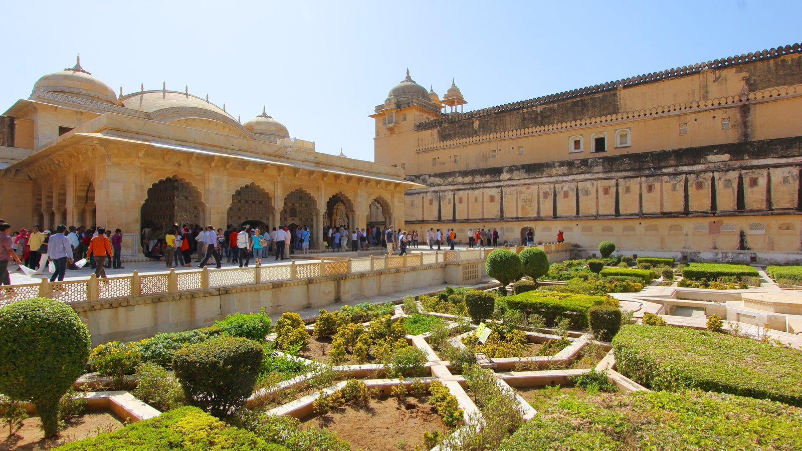 Gardens & Parks Pictures: View Images of Amber Fort