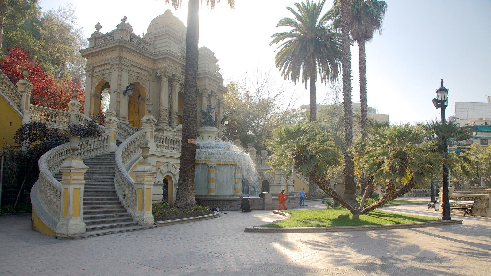 Cerro Santa Lucia caracterizando cenas de rua, um castelo e um jardim