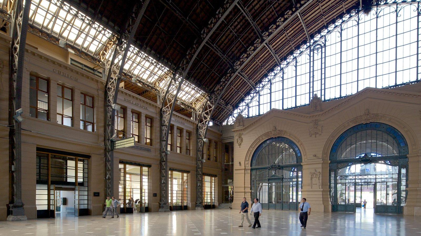 Santiago que inclui vistas internas e arquitetura de patrimônio