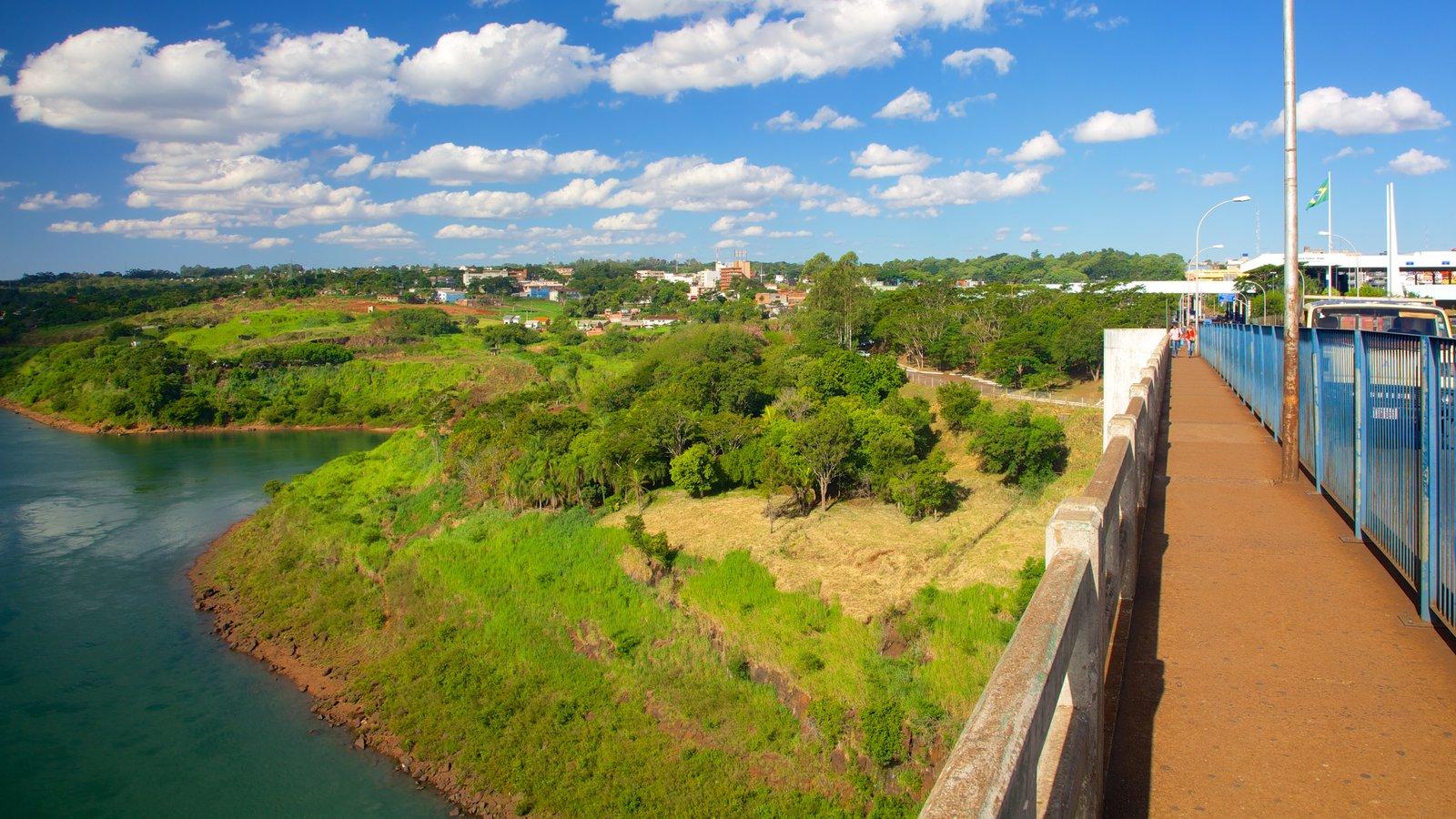 Ponte da Amizade que inclui paisagem, um rio ou córrego e paisagens
