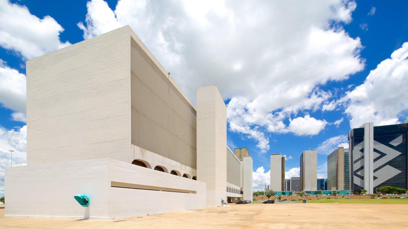 Biblioteca Nacional mostrando arquitetura moderna e uma cidade
