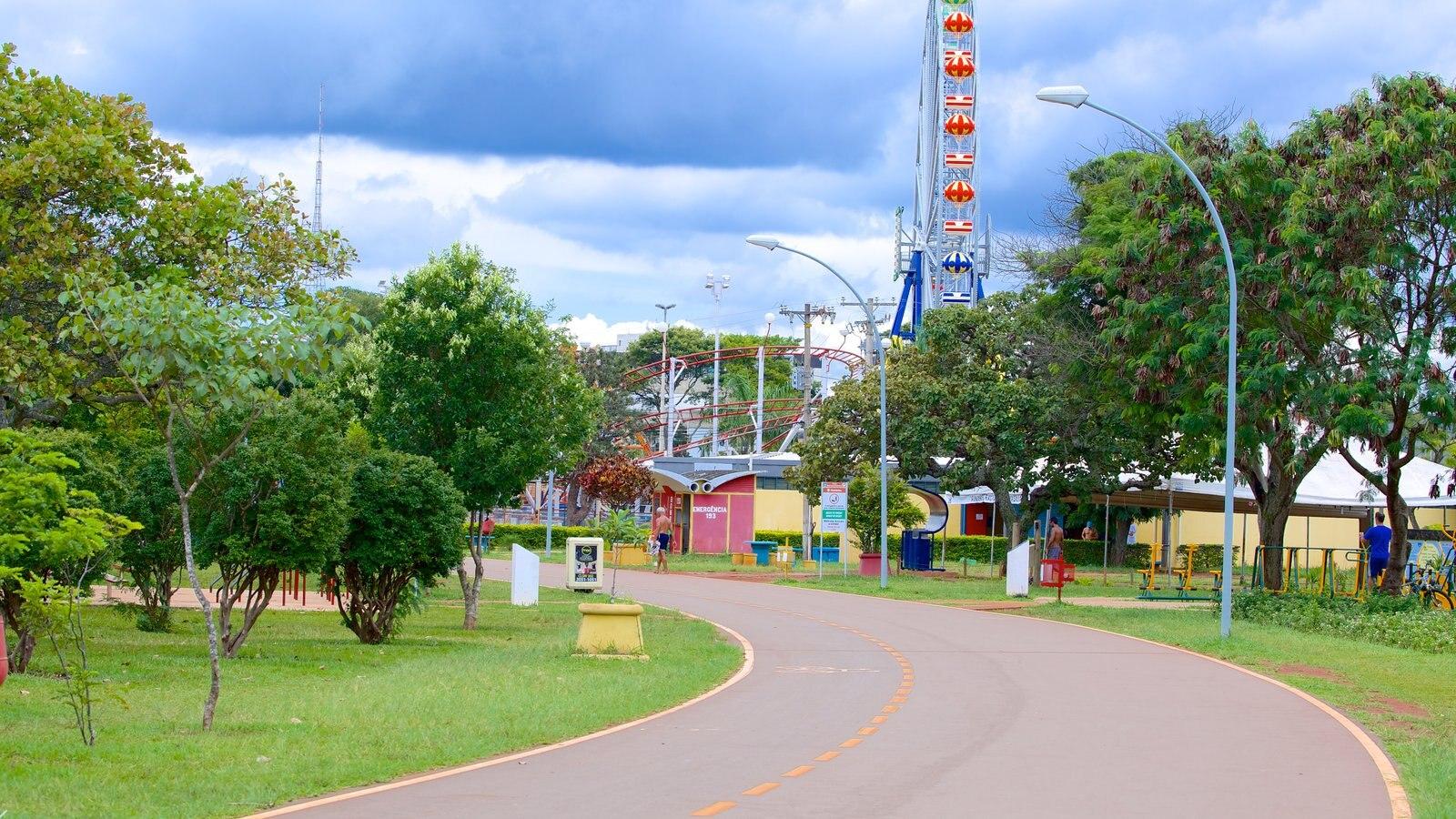 Parque da Cidade caracterizando um jardim e passeios