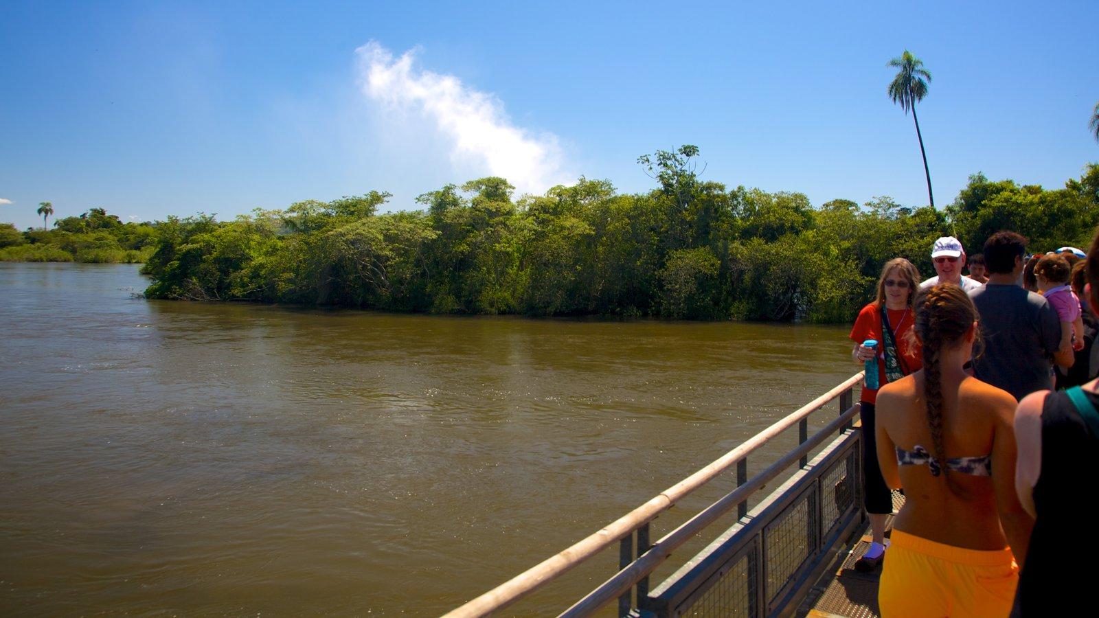 Garganta do Diabo que inclui mangues, uma ponte e paisagens