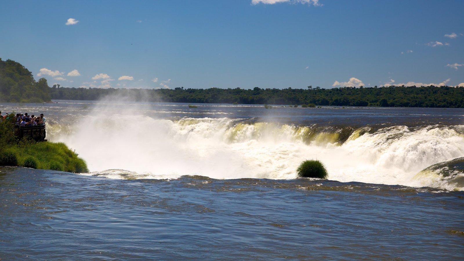 Garganta do Diabo caracterizando um lago ou charco, uma cascata e paisagem