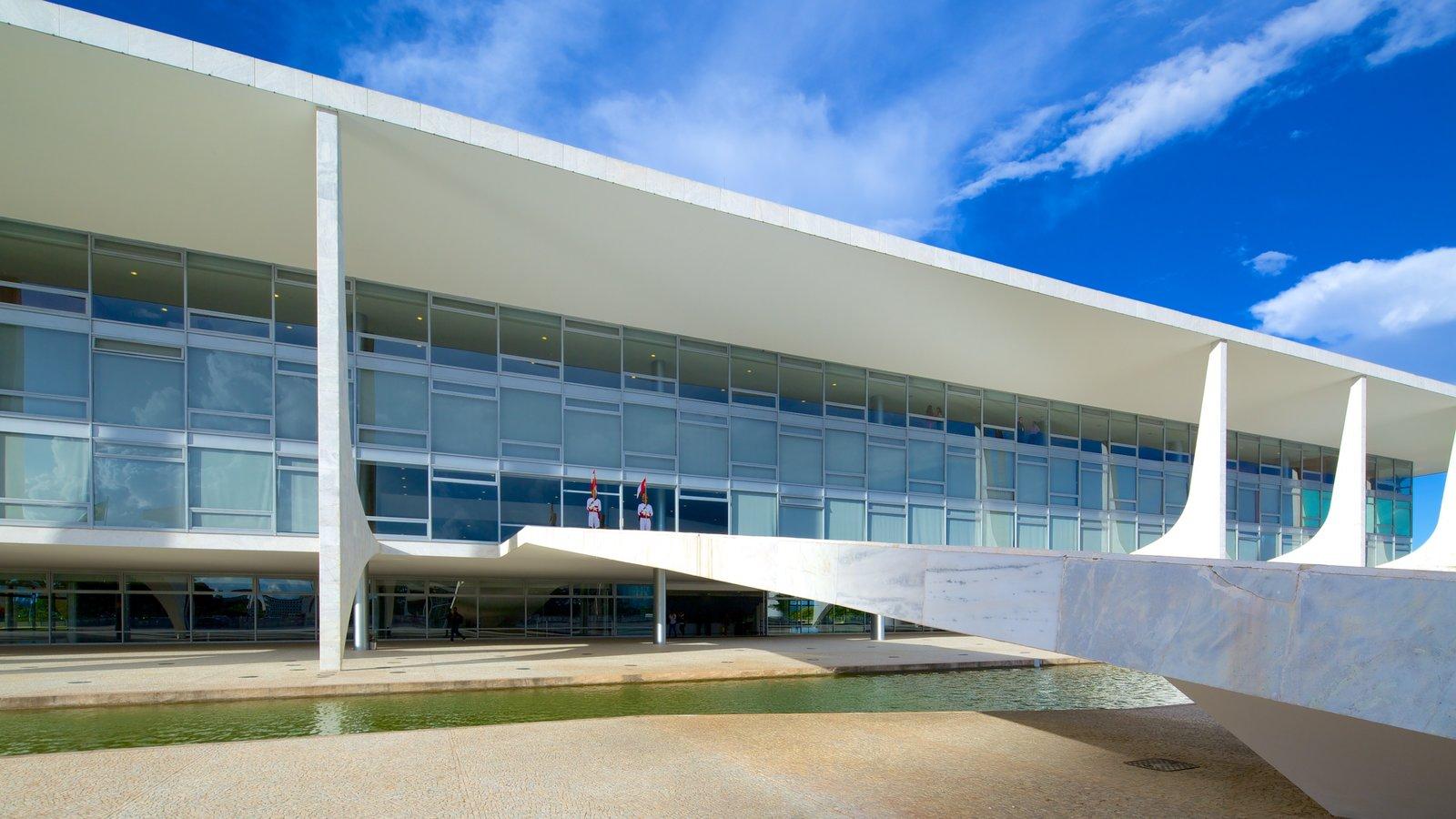 Palácio do Planalto caracterizando um pequeno castelo ou palácio e arquitetura moderna